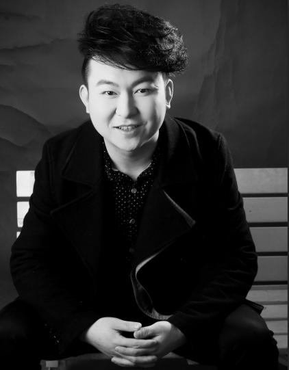 总监设计师刘洋