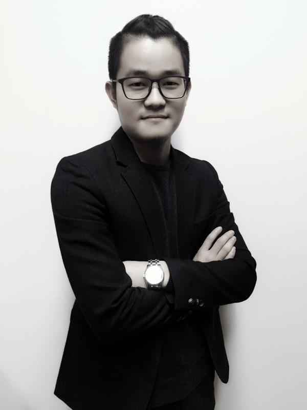 总监设计师涂球